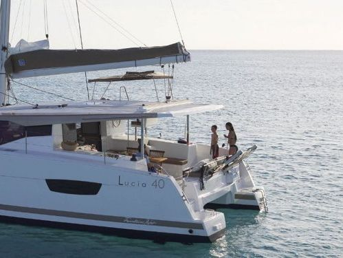 Catamaran Fountaine Pajot Lucia 40 · 2016