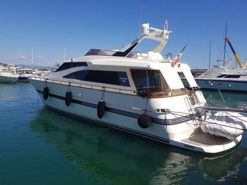Imbarcazione a motore TECNOMARINE T 62 (2003)