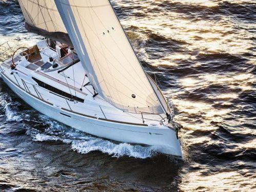 Segelboot Jeanneau Sun Odyssey 389 · 2019