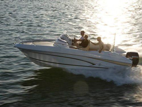 Speedboat Beneteau Flyer 650 Sun Deck · 2014