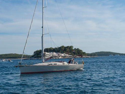 Sailboat A Vela Ketch · 2002