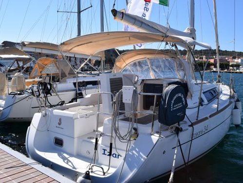 Sailboat Beneteau Oceanis 34 (2013)