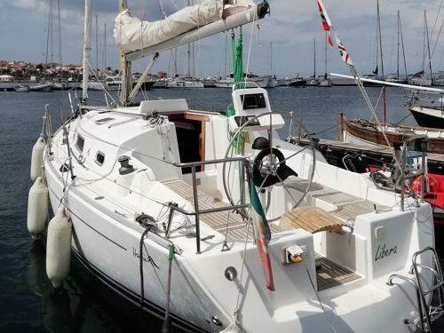 Sailboat Hanse 315 (2008)