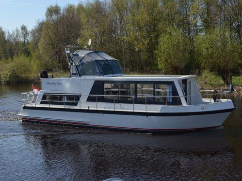 Motorboat Safari Houseboat 1200 · 1992