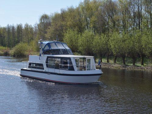Motorboat Safari Houseboat 1050 · 1994