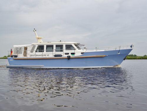 Motorboat Bravoure 45 · 2009