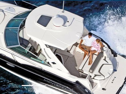 Imbarcazione a motore Monterey 335 Sport Yacht · 2011
