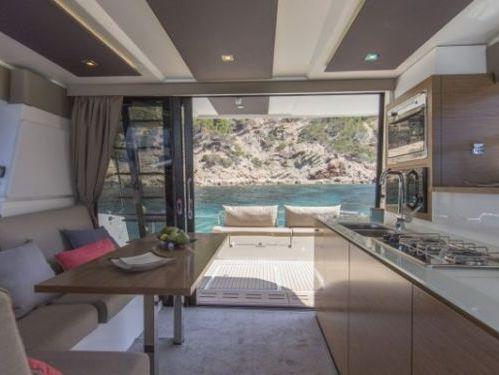 Motor Catamaran Fountaine Pajot MY 37 · 2019