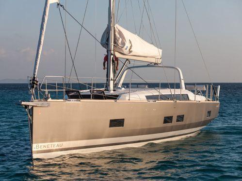 Sailboat Beneteau Oceanis 55 · 2015
