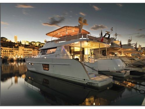 Imbarcazione a motore Fountaine Pajot Queensland 55 (2010)