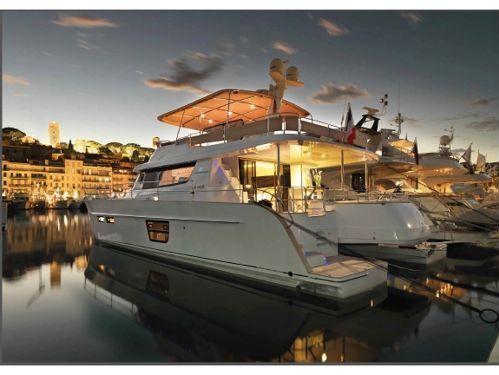 Motorboat Fountaine Pajot Queensland 55 · 2010