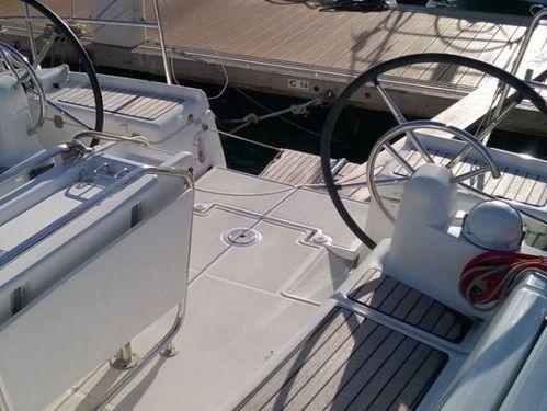 Sailboat Jeanneau 439 · 2015