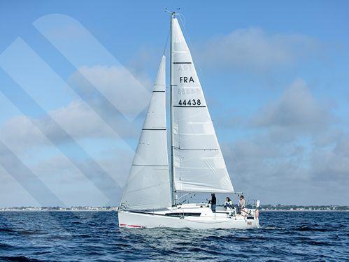Sailboat Jeanneau Sun Fast 3200 (2017)