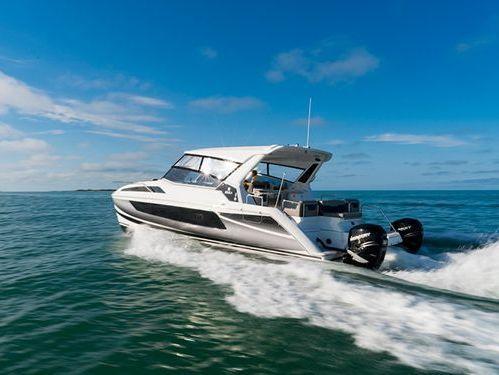 Motorboat Aquila 36 · 2011