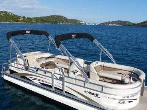 Speedboat Sunliner 220 · 2010