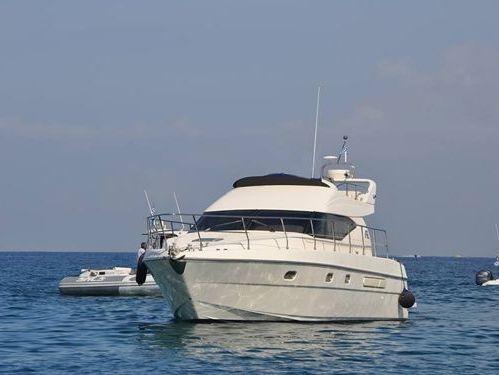 Imbarcazione a motore Azimut 44 · 2012