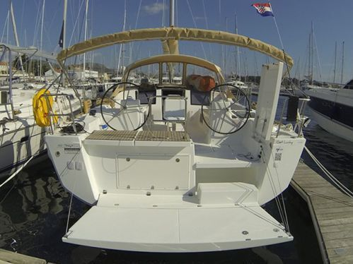 Sailboat Dufour 460 · 2019