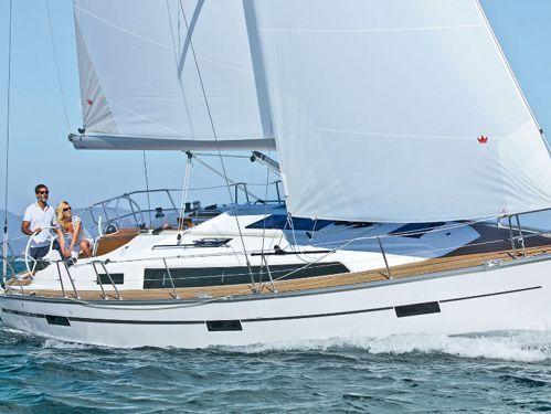Sailboat Bavaria Cruiser 37 · 2018