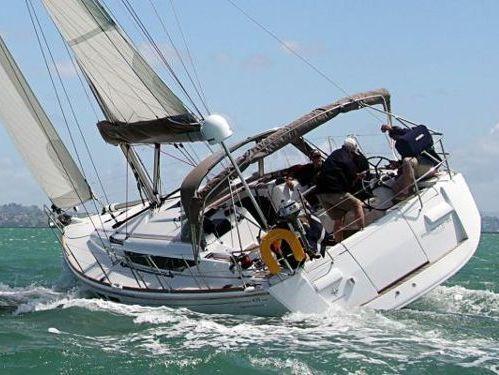 Sailboat Beneteau Oceanis 54 · 2006
