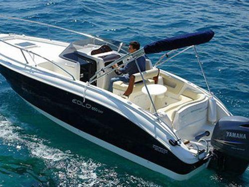 Speedboat Focus SunDeck 23 · 2018