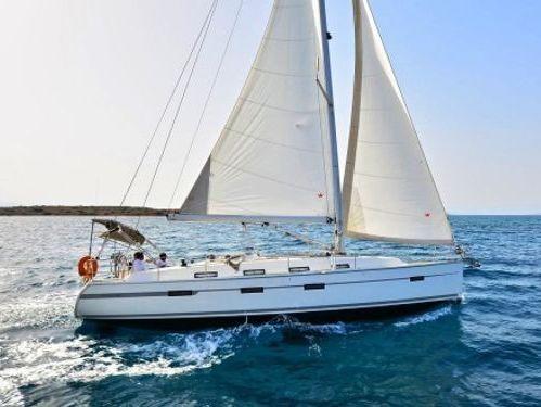 Sailboat Bavaria Cruiser 42 · 2011