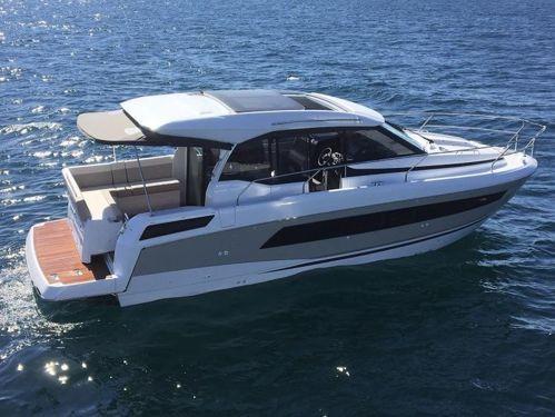 Motorboot Jeanneau NC 33 (2018)