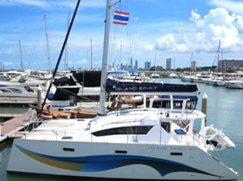 Barca a vela Fortuna Island Spirit 400 · 2019