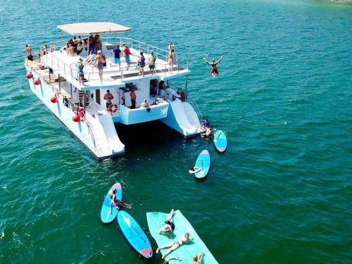 Catamarano Custom Built · 2011