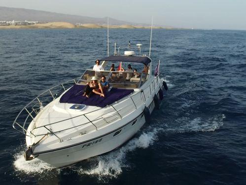 Motorboat Riviera 47 (1991)