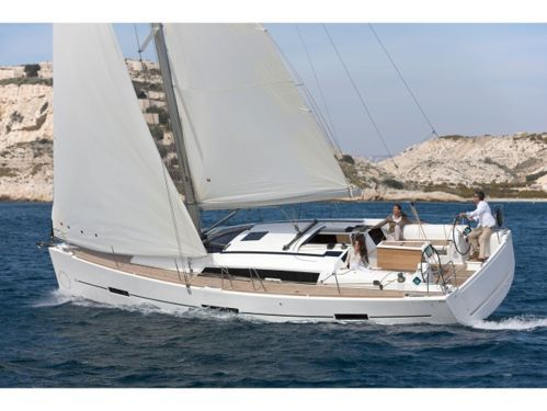 Sailboat Dufour 410 (2015)