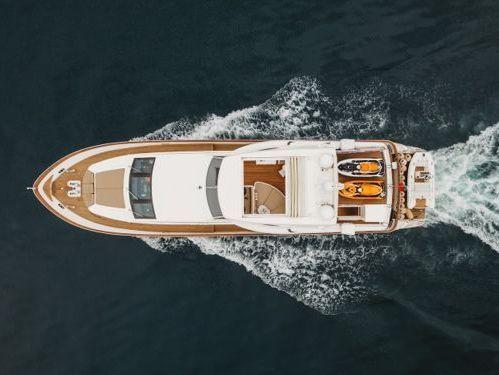 Motorboat Falcon 90 · 2008
