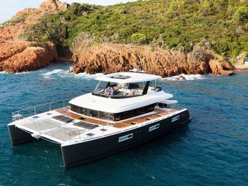 Motor Catamaran Lagoon 630 · 2019