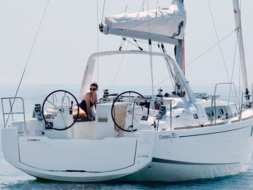 Sailboat Beneteau Oceanis 35.1 · 2020