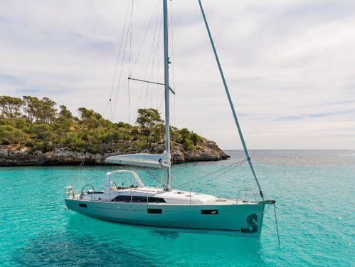 Sailboat Beneteau Oceanis 41.1 · 2020