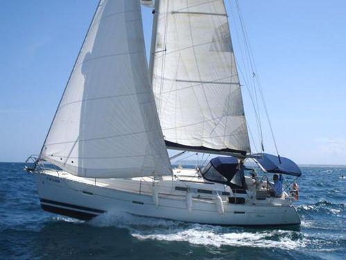 Sailboat Beneteau Oceanis 373 · 2005