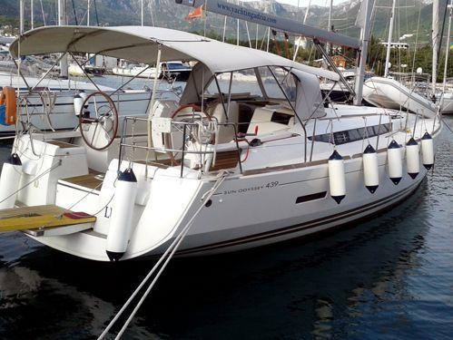 Sailboat Jeanneau Sun Odyssey 439 · 2013