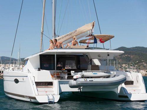 Catamaran Fountaine Pajot Helia 44 · 2014
