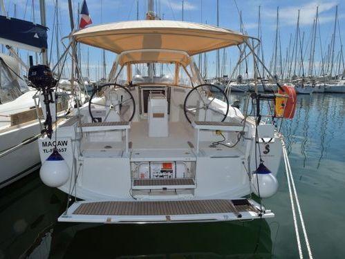 Segelboot Beneteau Oceanis 38 · 2019