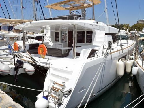 Catamarán Lagoon 52F · 2019