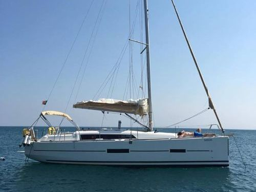 Barca a vela Dufour 382 (2017)
