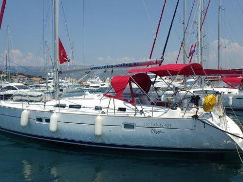 Sailboat Beneteau Oceanis 423 · 2005