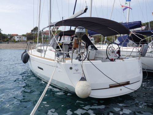 Sailboat Jeanneau Sun Odyssey 449 · 2018