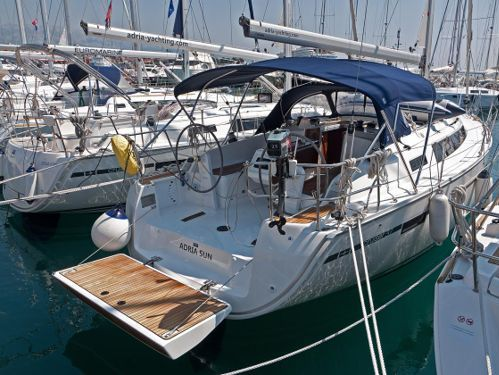 Barca a vela Bavaria Cruiser 37 · 2016
