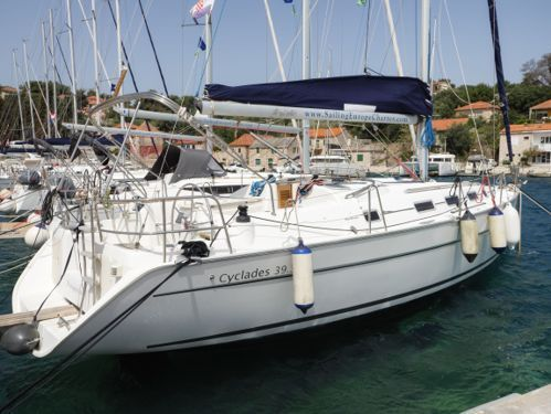 Sailboat Beneteau Cyclades 39.3 · 2007