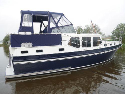 Imbarcazione a motore Privateer 34 (2000)