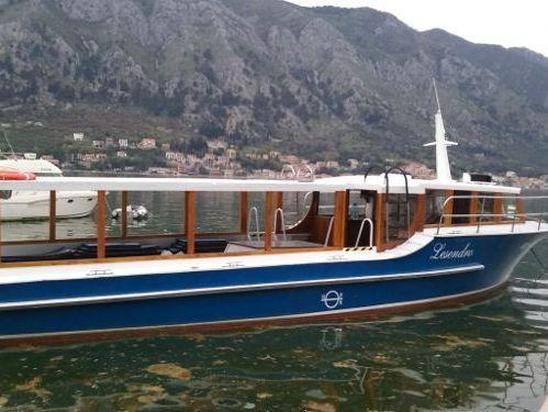 Motorboat Trawler 42 · 1979