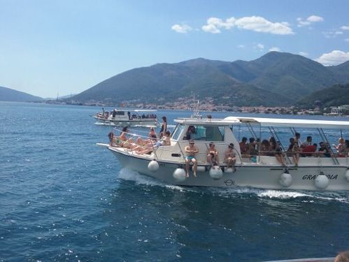 Motorboat Trawler 34 · 2018