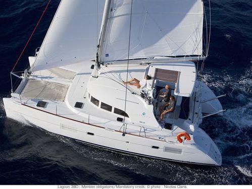 Catamarano Lagoon 380 · 2013