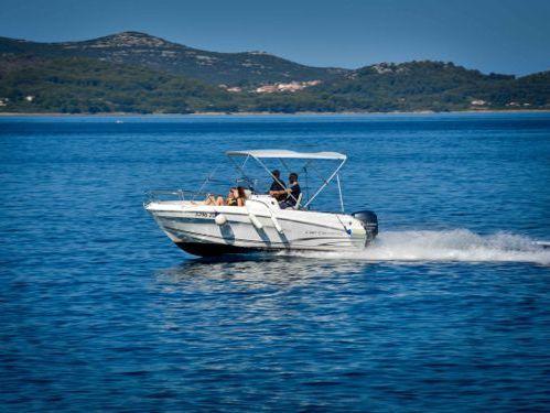 Speedboat Jeanneau Cap Camarat 5.5 CC · 2016