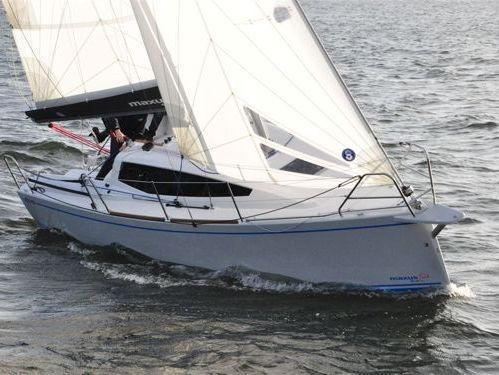 Barca a vela Maxus Evo 24 (2020)